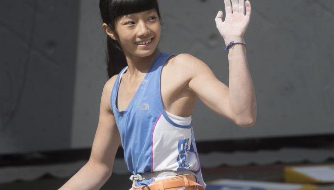 Ashima Shirashi en la final Campeonato Mundo Juvenil de Escalada 2015 (categoria jóvenes B=14 a 15 años). Sería la única escaladora en alcanzar el top proclamándose campeona del mundo en esta categoria.  (© Darío Rodríguez/DESNIVEL)