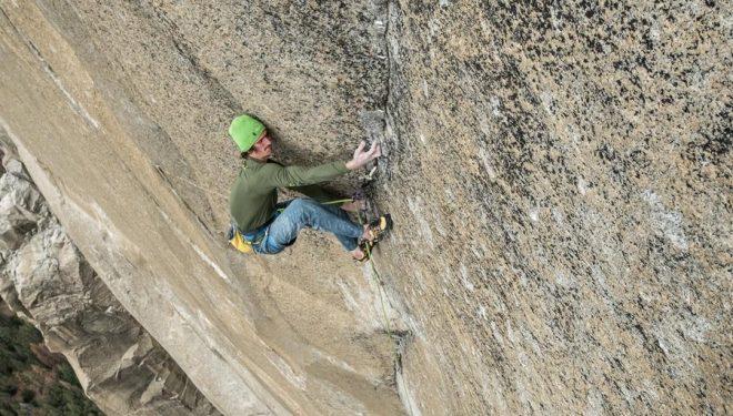 Adam Ondra en la primera repetición del Dawn Wall (900m