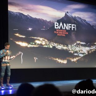 El escalador y realizador Cedar Wrigh en un momento del Festival de Cine de Montaña y Literatura de Banff 2016  (©Darío Rodríguez/DESNIVEL)