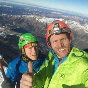Tom Ballard y Marcin Regan Tomaszewski en la cima del Eiger  (Col. M. Tomaszewski)
