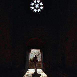 Contraluz en el Monasterio de Santa Cristina de Ribas de Sil