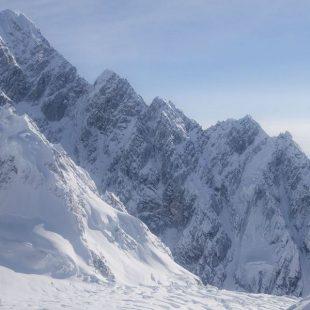 Arista sur del Mt. Huntington (Alaska)  (Foto: Clint Helander)