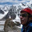 Òscar Cadiach en el campo base del Broad Peak  ()