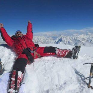 Mingma Gyalje Sherpa en la cima del K2  (Col. Mingma G.)