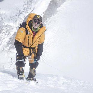 Carlos Soria durante el primer intento a cima Dhaulagiri 2017 en el que quedó muy cerca.  (©Luis Miguel Soriano/Expedición Correos)