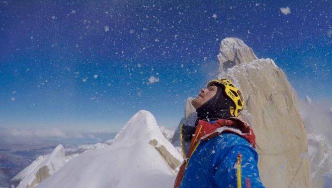 Markus Pucher durante su ascensión en solo invernal a la Aguja Guillaumet  (Col. M. Pucher)