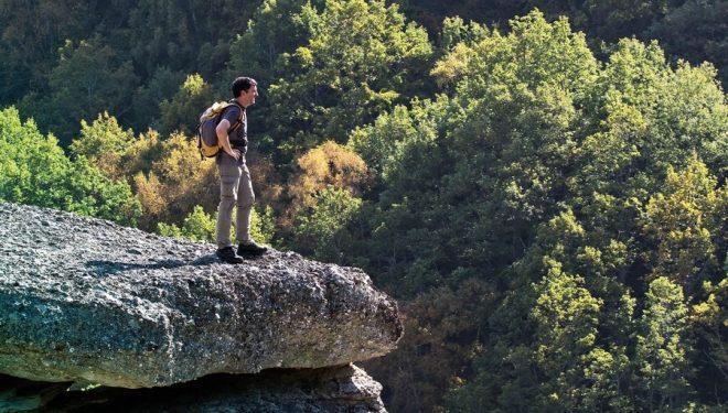 Excursionista en plena Sierra de Híjar (Cantabria)  (Francisco José Sobrino)