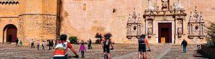 Entrada al monasterio de Poblet. La bicicleta, nuestra aliada en la Costa Daurada