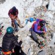 Álex Txikon con su equipo en el Everest invernal 2018.