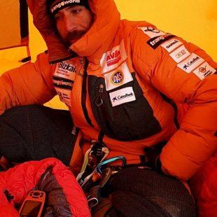 Álex Txikon, en su tienda del Everest invernal (enero 2018)