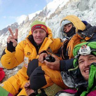 Denis Urubko y Adam Bielecki, durante el rescate de Elisabeth Revol en el Nanga Parbat