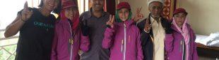 Chicas pakistaníes vestidas de Ternua para trabajar como porteadoras