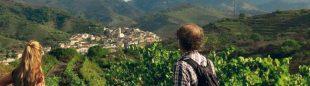 El pueblo de Porrera visto desde el camino que sube al Collet de la Sentiu.