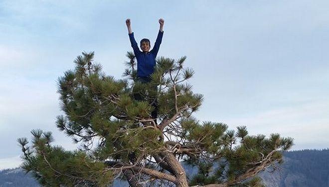 Connor Herson en la cumbre de The nose, El Cap, Yosemite
