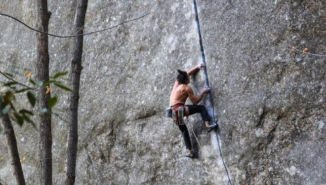 Lonnie Kauk en 'Magic line' 8c+ de Yosemite