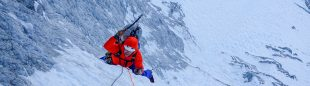 Chris Wright en el tramo clave de hielo de 'The indirect American' al Mt. MacDonald