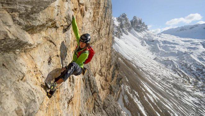 Simon Gietl escala en solo integral la vía 'Lacedelli' a la Cima Scotoni (Dolomitas)