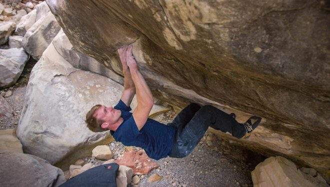Nalle Hukkataival en 'Sleepwalker' 8C+ de Red Rocks