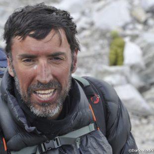Miguel Angel Pérez en el campo base a su regreso de la cima del Lhotse (2011).  (@Darío Rodríguez 2011)
