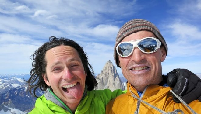 Colin Haley y Chad Kellogg en la cumbre del Cerro Torre  (Chad Kellogg)