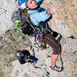 Araceli Segarra escalando en Los Pirineos del parque de Aigües Tortes  durante la travesía de la Carros de Rock. 2010  (©Quim Farrero)