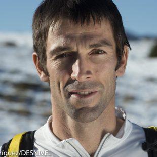 Hervé Barmasse en la excursión. IMS 2012.  ()