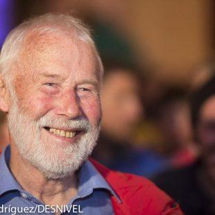 Sir Chris Bonington quien recibió el 7º Piolet d´Or (premio Walter Bonatti) por su trayectoria alpinística  ()