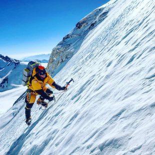 Cory Richards en la cara norte del Everest