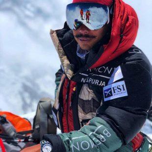 Nirmal Purja en el Gasherbrum II