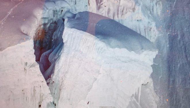 Un gran serac amenaza la ruta por la Cascada de Hielo del Khumbu